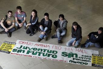Miembros de la plataforma 'Juventud sin futuro'